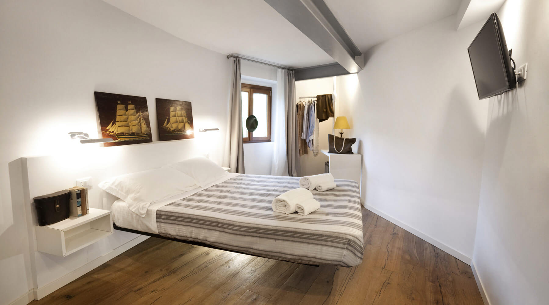 Lago welcome portovenere hotel di design lago - Camera da letto mare ...
