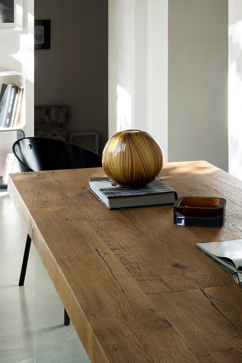 Air Table With Lamp