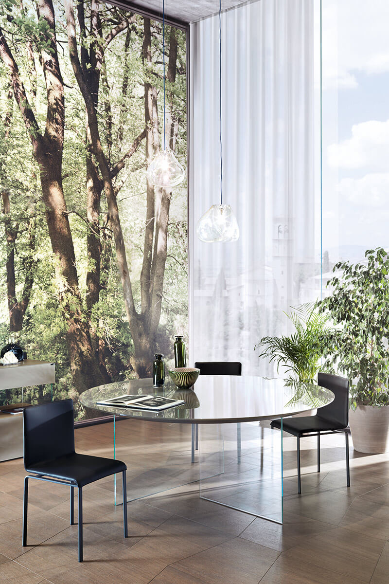 air rounded lacquered table
