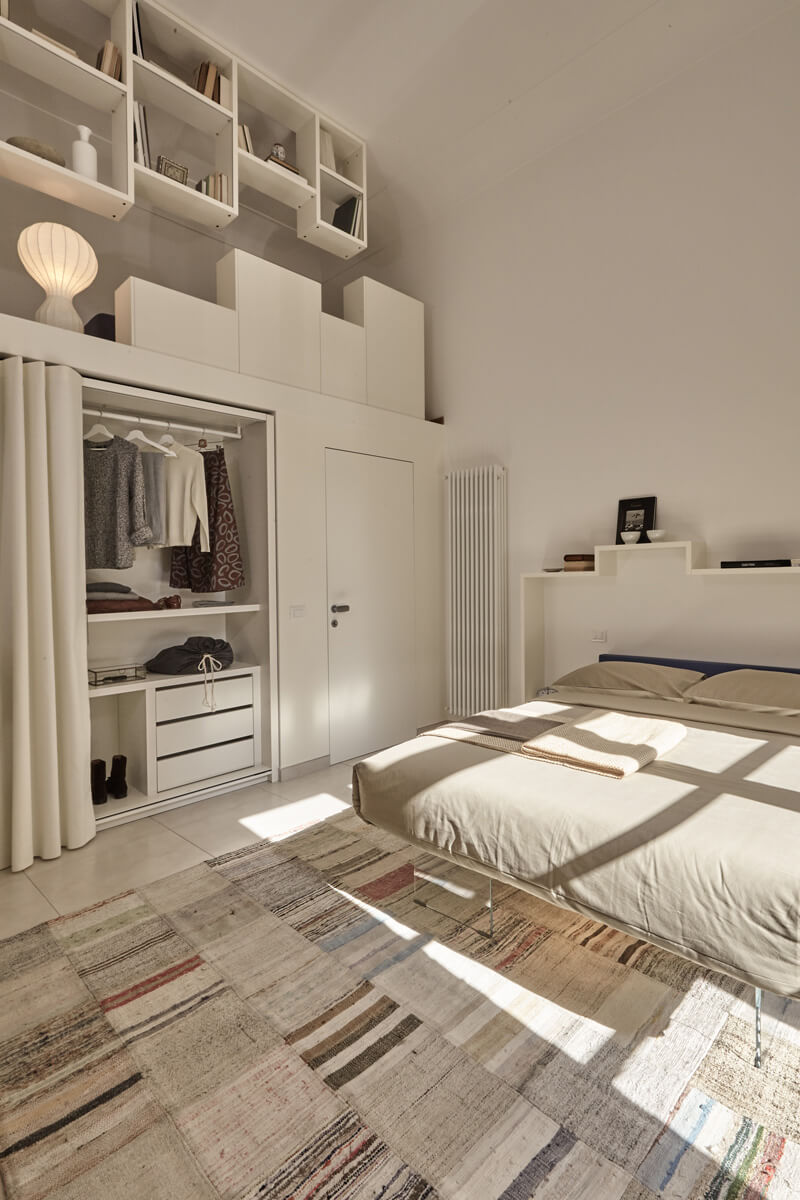 Great armadio et voil beige aperto with tende per cabina for Cabina armadio low cost