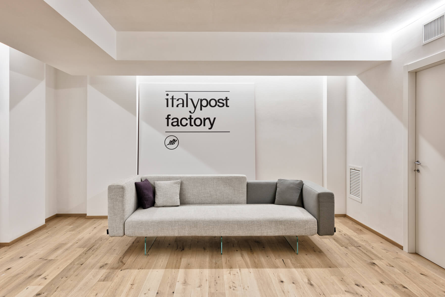 ItalyPost Factory LAGO Place